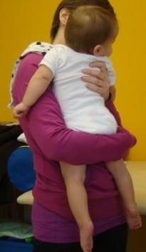 przemieszczanie się dziecka na pupie